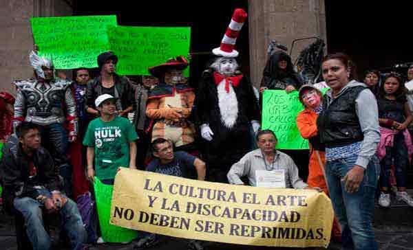 Cuartoscuro_Protesta_Artistas-2.jpg