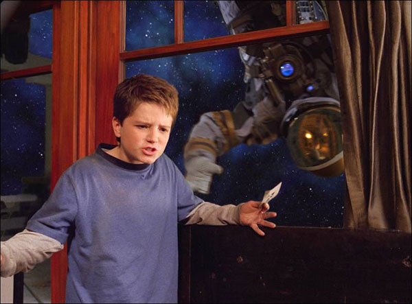 Movie-review-Zathura.jpg
