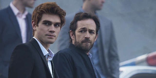 riverdale-archieandrews-lukeperry-192288-640x320